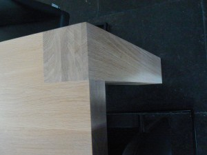 Bovenblad houten eetkamertafel