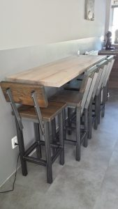 Op maat gemaakte houten bartafel